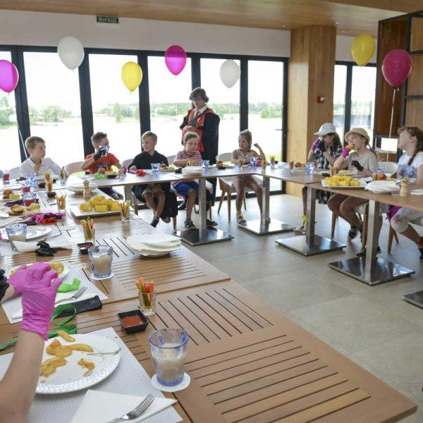 Restaurant_Children_Navy_1